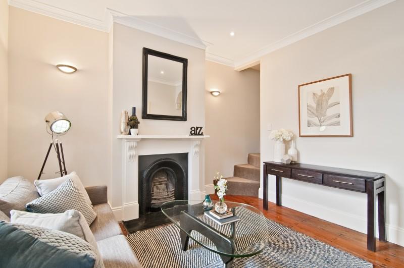 5 Reuss St Living Room