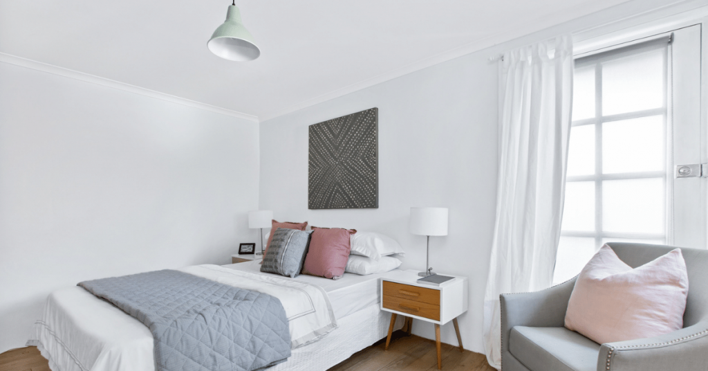 Easy Ways To Create The Ultimate Guest Bedroom