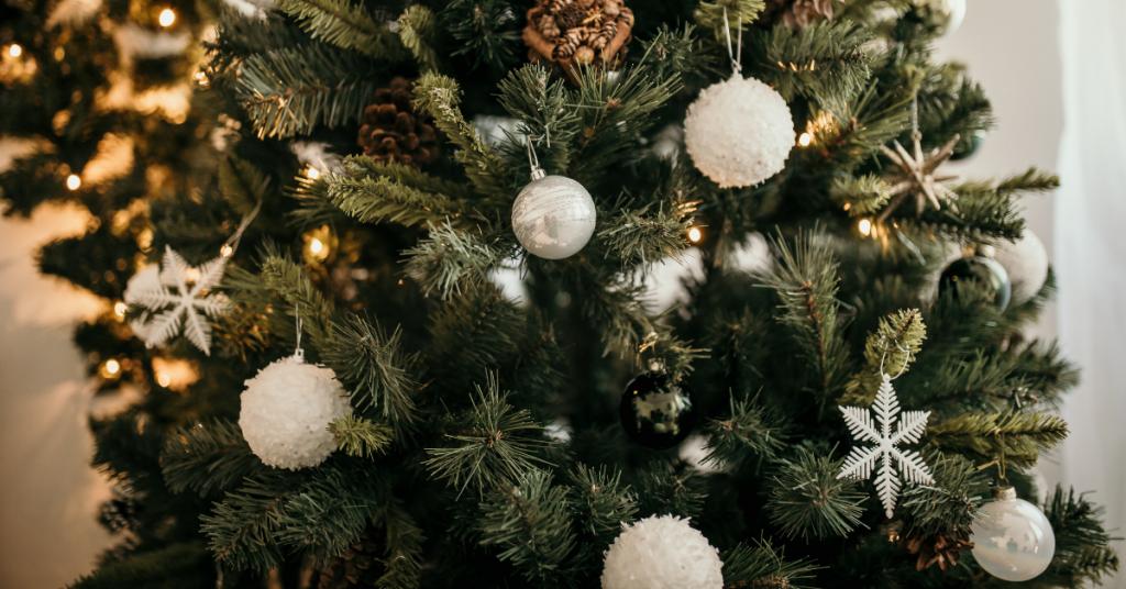 5 Popular Christmas Tree Trends